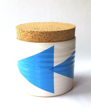 TEA JAR arrow