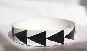 LARGE PLATE with triangle-pattern